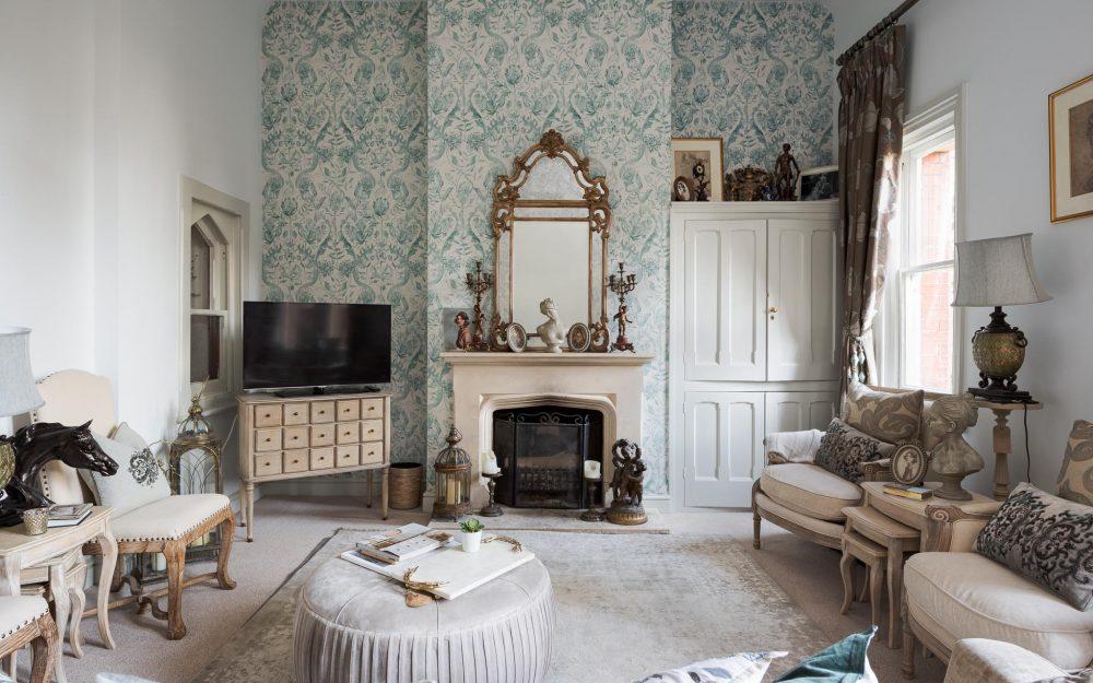 Classic style interior designed sitting room